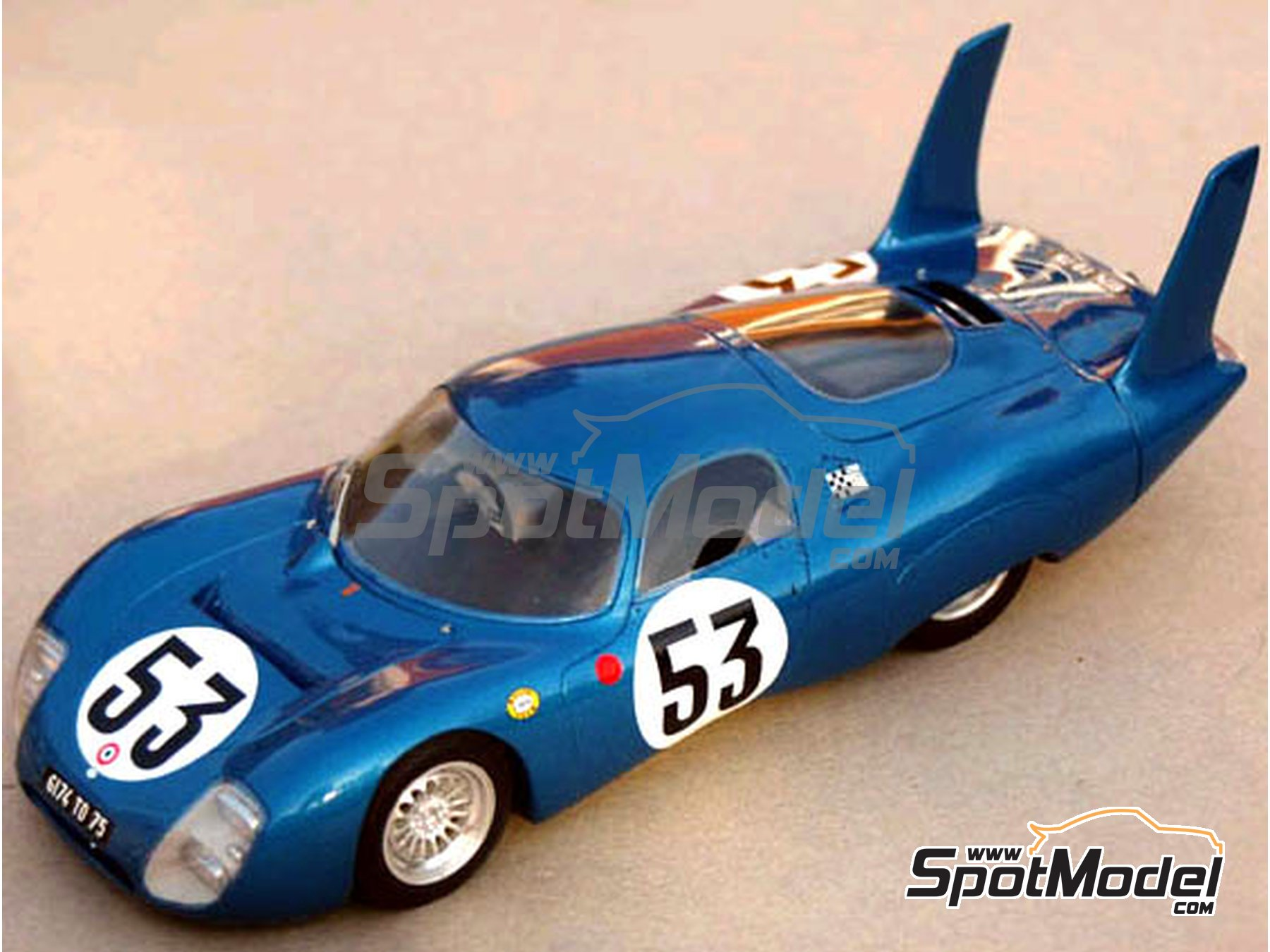 Image 1: CD Peugeot SP 66 - 24 Hours Le Mans 1966 and 1967 | Model car kit in 1/24 scale manufactured by Profil24 (ref. P24043)