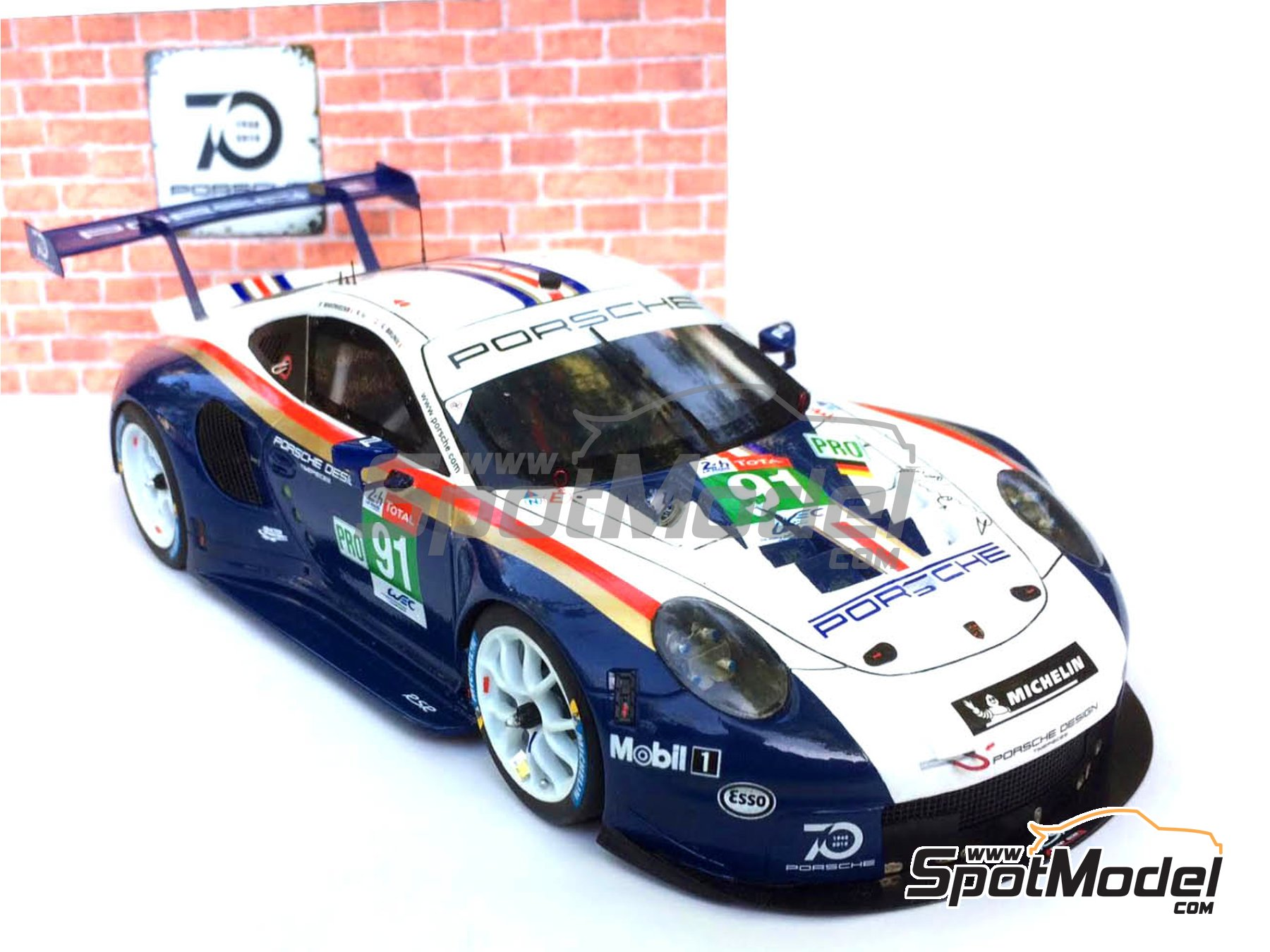 Image 2: Porsche 911 RSR Porsche Motorsport GT Team Rothmans - 24 Hours Le Mans 2018 | Model car kit in 1/24 scale manufactured by Profil24 (ref.P24111)