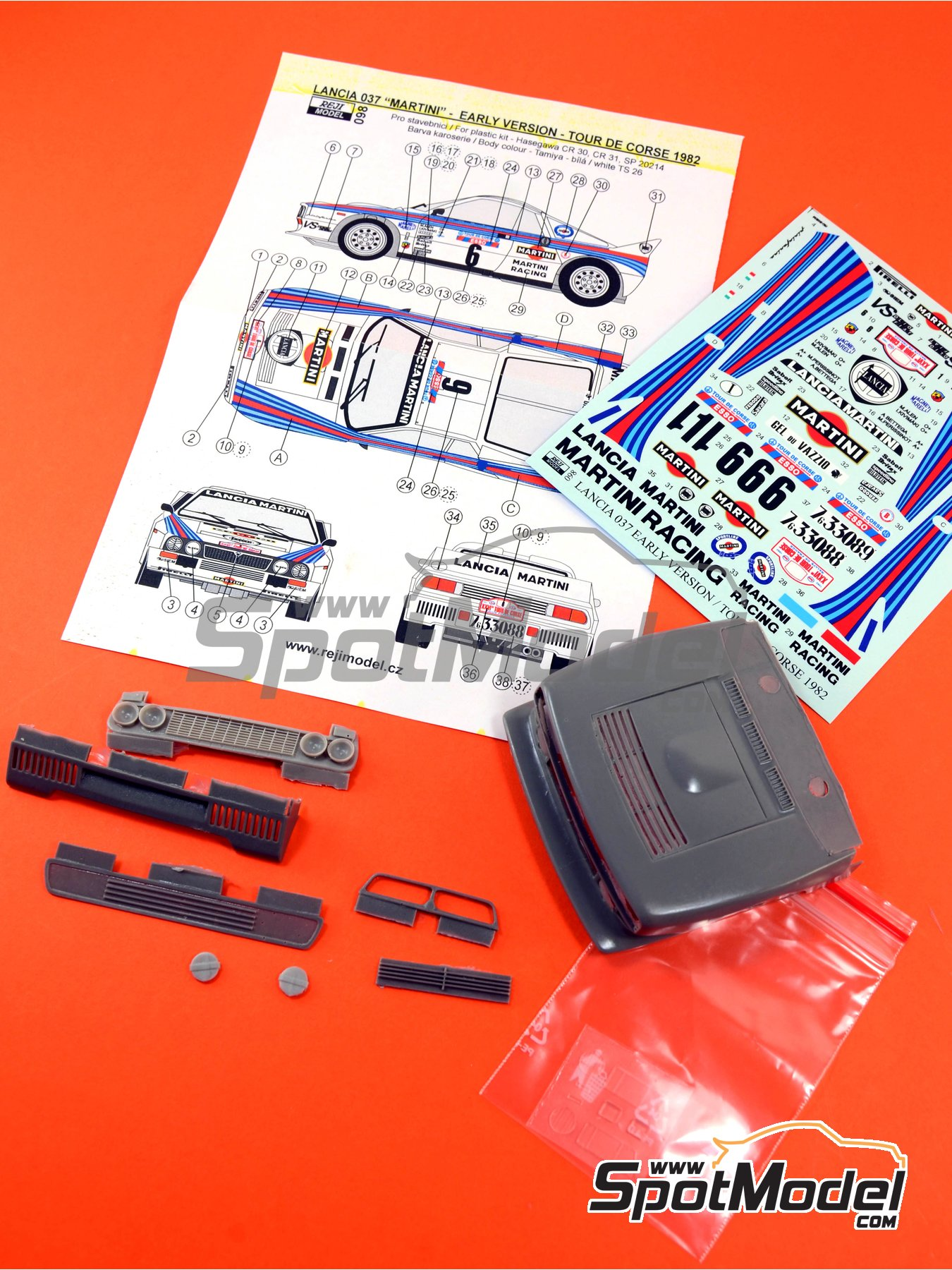 Lancia 037 Rally Martini - Rally Tour de Corse 1982 | Transkit en escala1/24 fabricado por Reji Model (ref.REJI-098) image