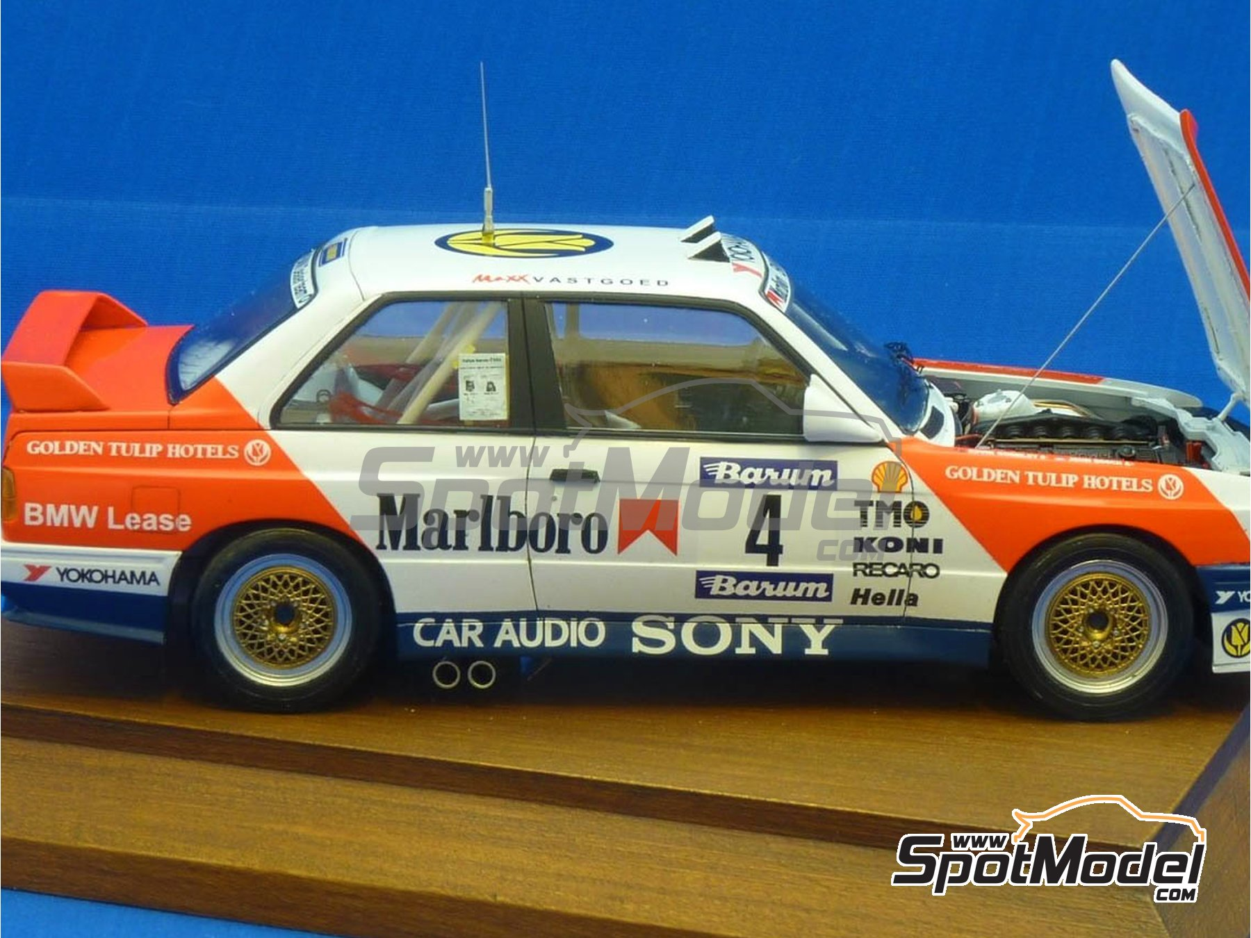 Image 9: BMW M3 E30 Marlboro - Rally Barum de la Republica Checa 1990 | Decoración en escala 1/24 fabricado por Reji Model (ref. REJI-272)