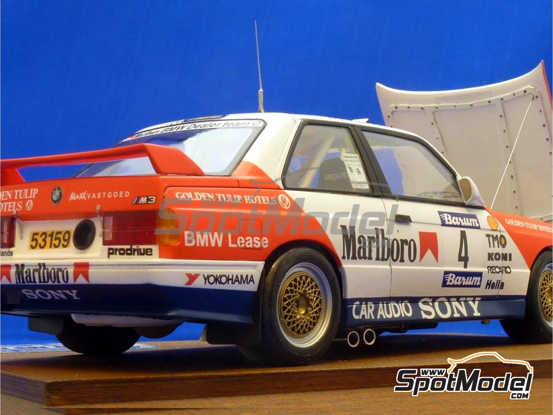 Image 11: BMW M3 E30 Marlboro - Rally Barum de la Republica Checa 1990 | Decoración en escala 1/24 fabricado por Reji Model (ref. REJI-272)
