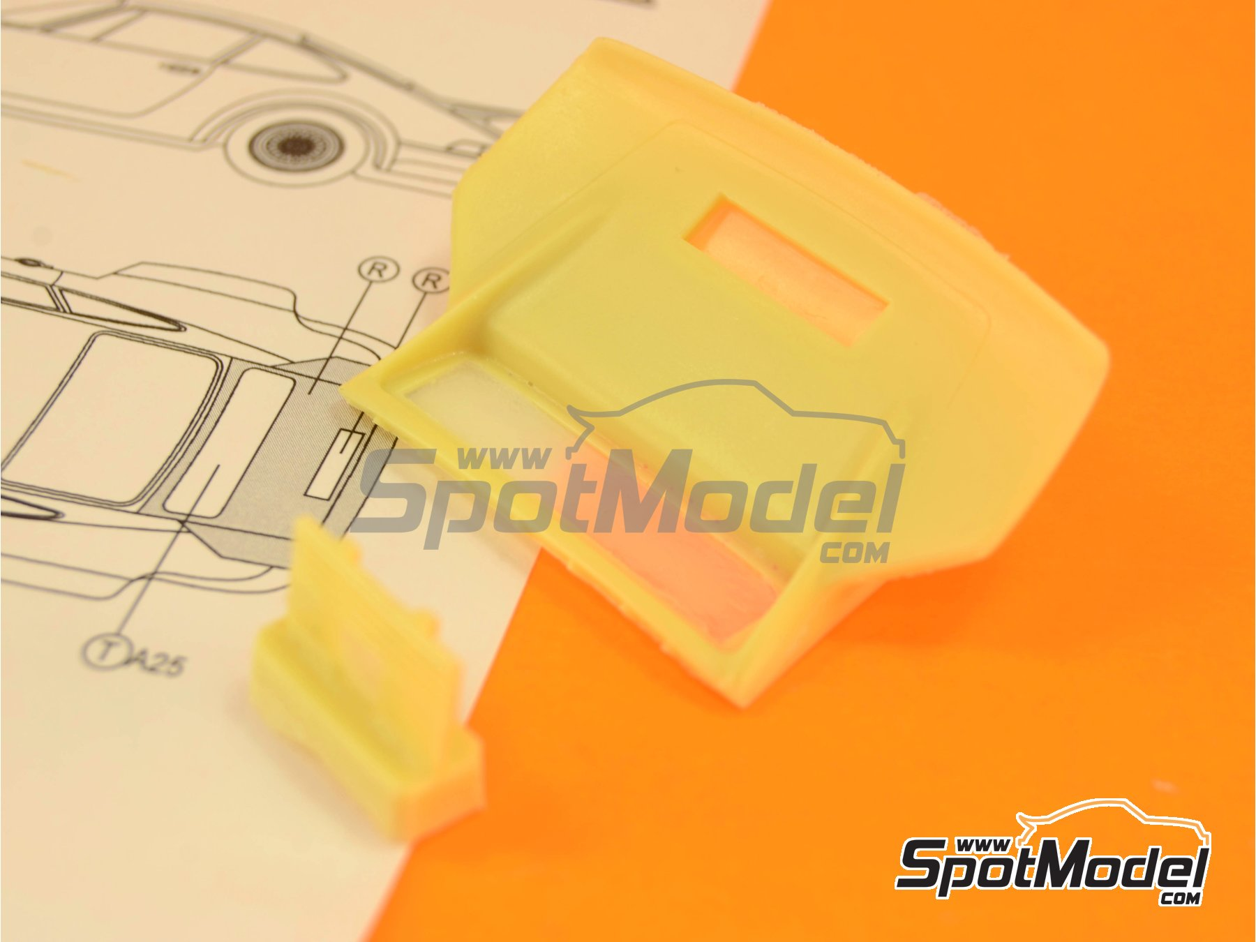 Image 4: Porsche 934 Turbo RSR Group 4 - aleron trasero | Transkit en escala1/24 fabricado por Reji Model (ref.REJI-SP967)