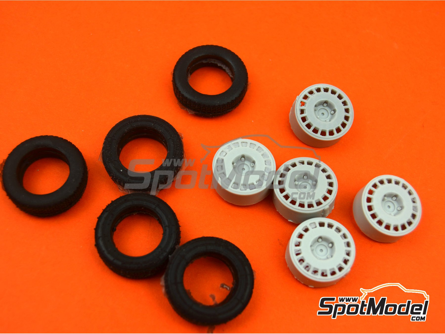 Image 2: OZ Racing 5 screws with snow tyres | Rims and tyres set in 1/24 scale manufactured by Reji Model (ref. REJI-SP980)