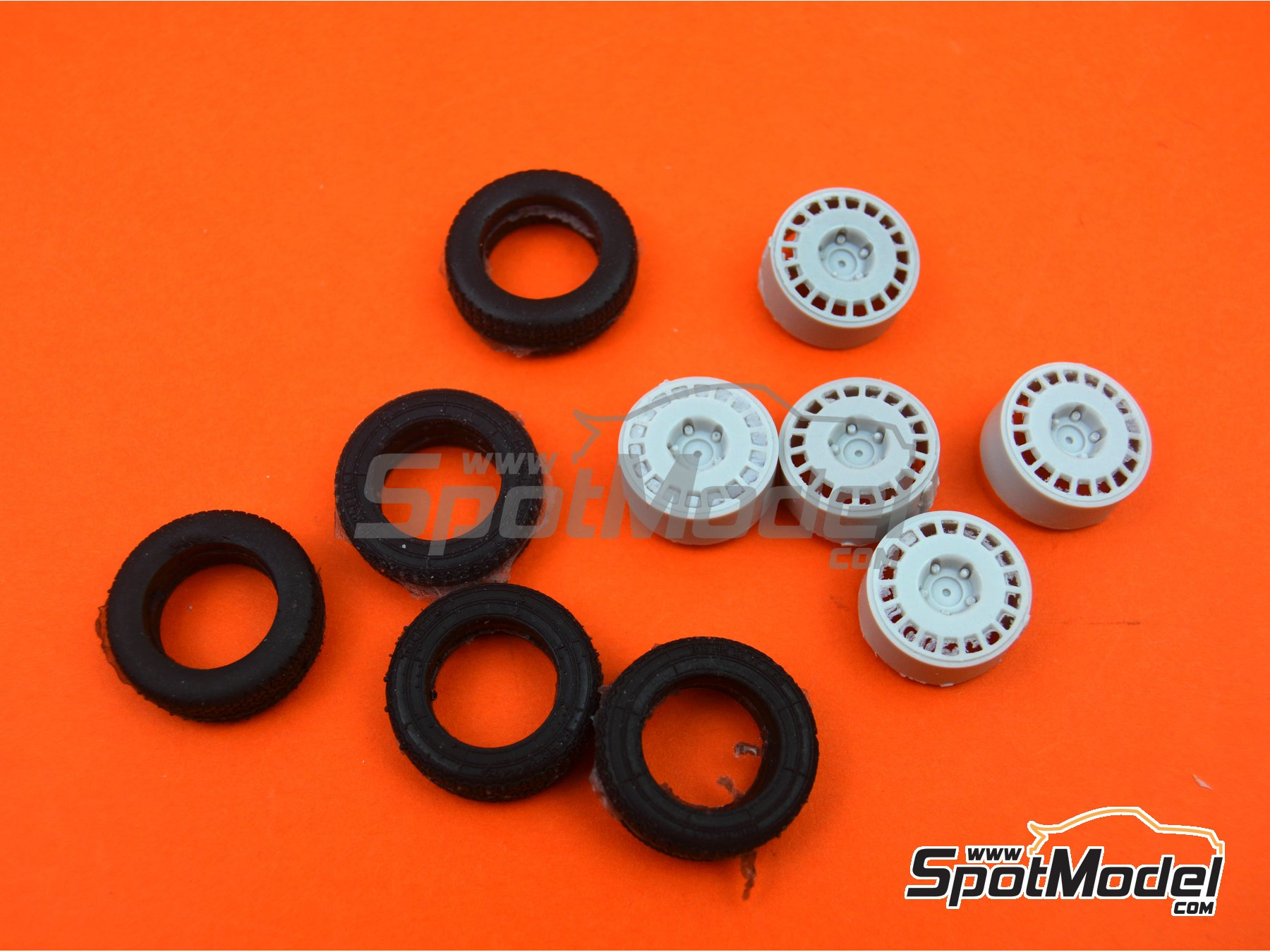 Image 5: OZ Racing 5 screws with snow tyres | Rims and tyres set in 1/24 scale manufactured by Reji Model (ref. REJI-SP980)