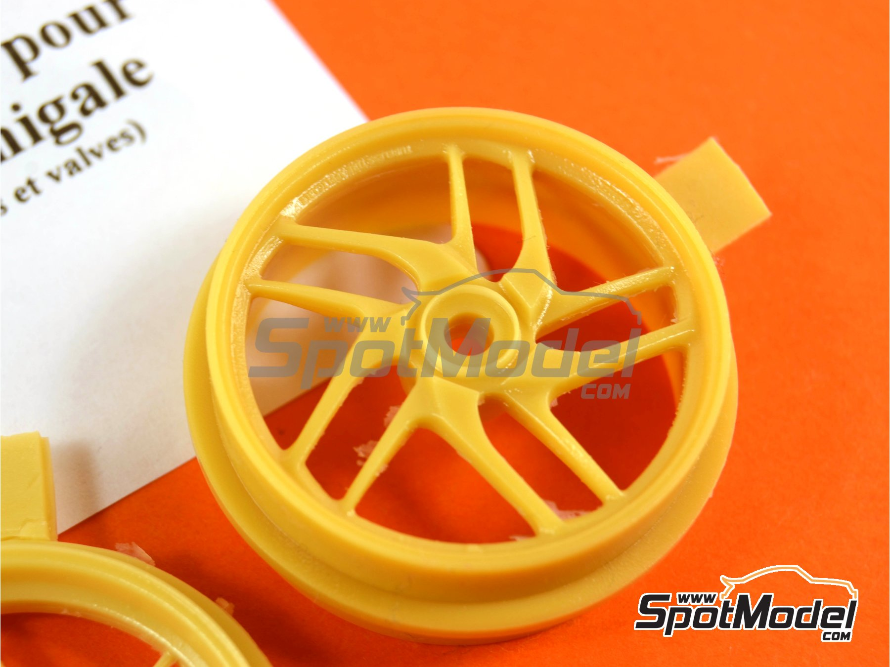 Image 5: Ducati 1199 Panigale S | Rims in 1/12 scale manufactured by Renaissance Models (ref.12AM-009)