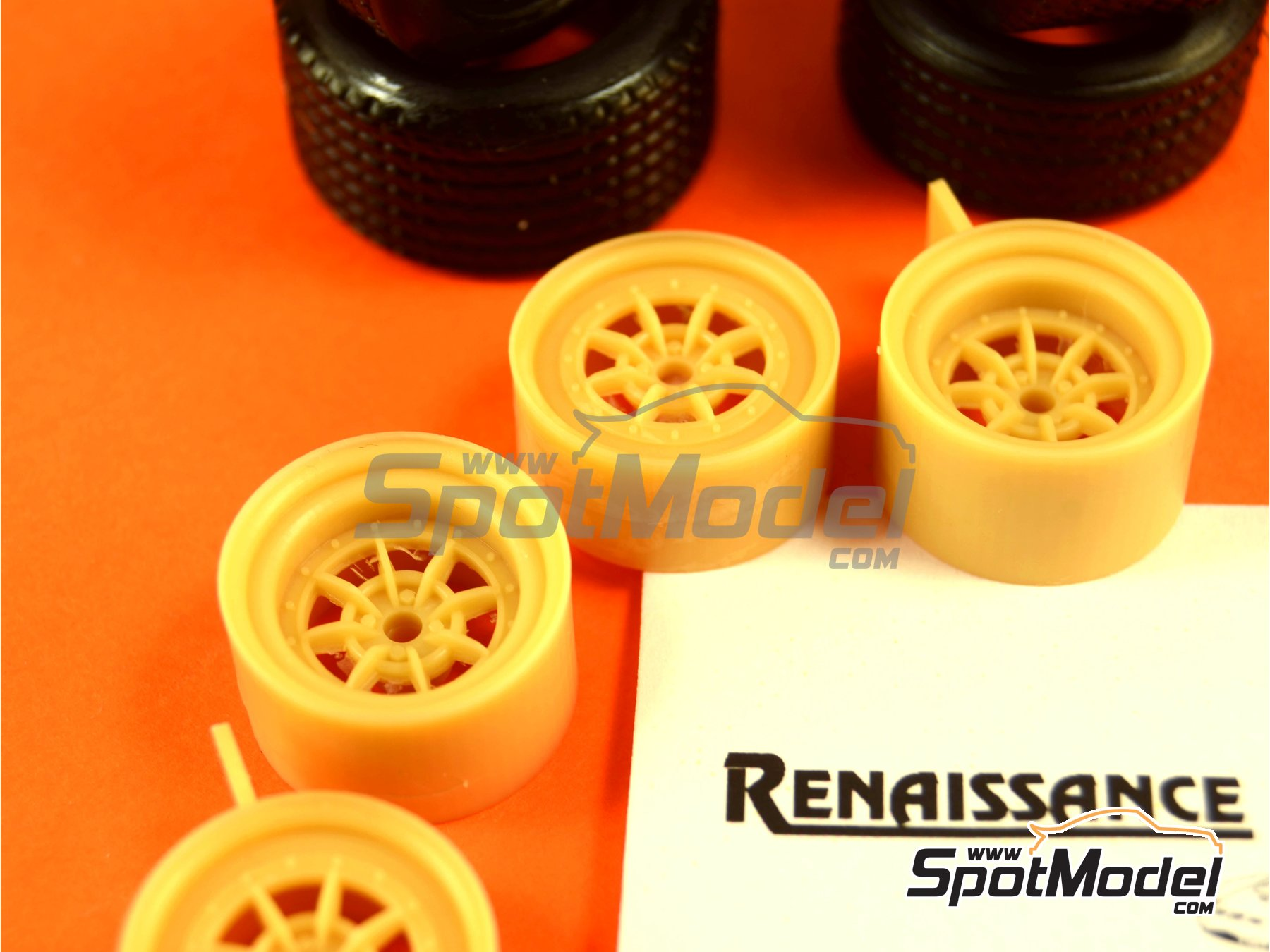 Image 3: Braid 15 inches | Rims and tyres set in 1/24 scale manufactured by Renaissance Models (ref.24BRAIDR5T)