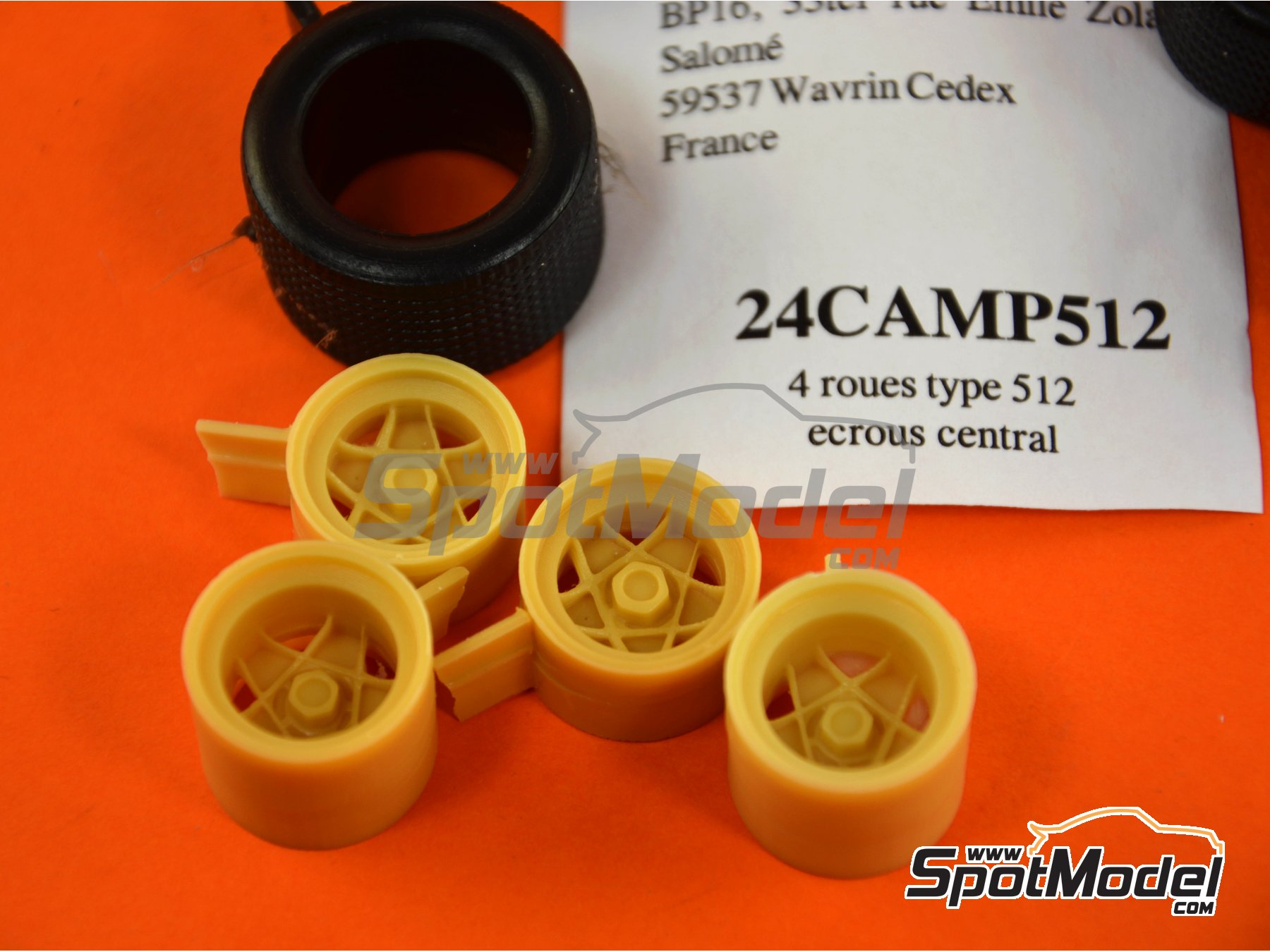 Image 1: Campagnolo 15 inches | Rims and tyres set in 1/24 scale manufactured by Renaissance Models (ref. 24CAMP512)