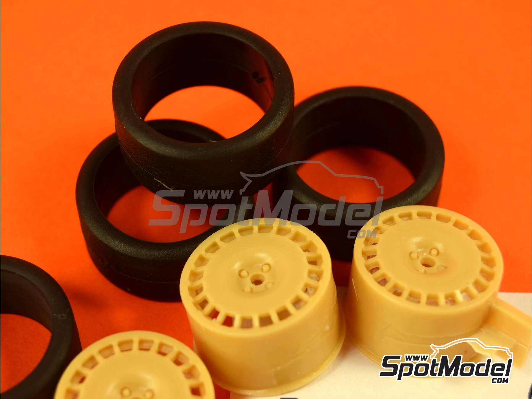 Image 2: OZ 17 inches | Rims and tyres set in 1/24 scale manufactured by Renaissance Models (ref.24OZ17)