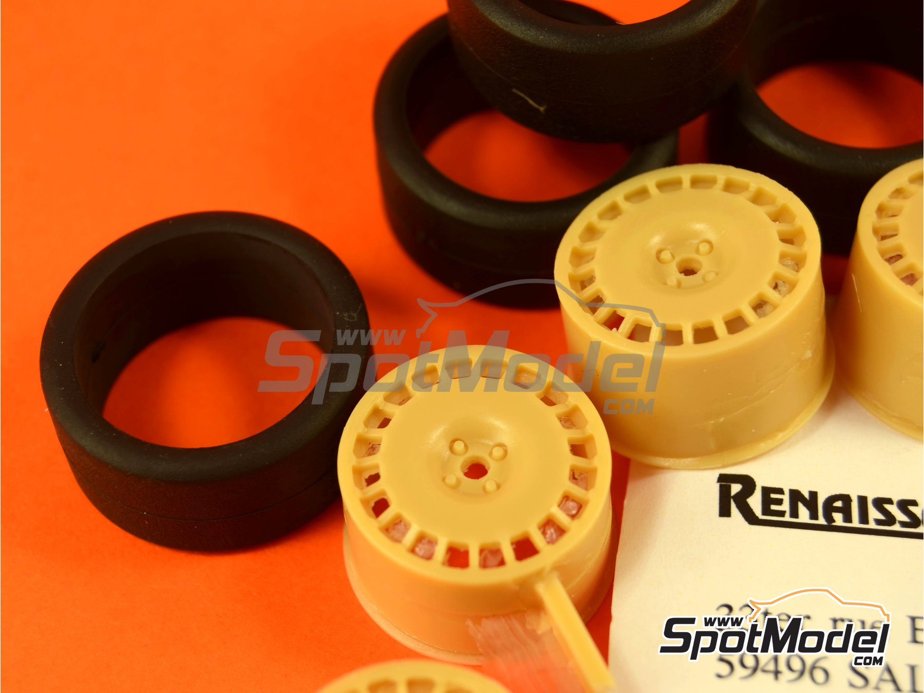 Image 3: OZ 17 inches | Rims and tyres set in 1/24 scale manufactured by Renaissance Models (ref.24OZ17)