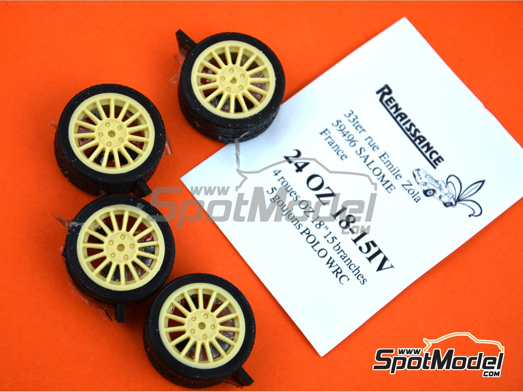 Image 3: OZ 18 inches 15 arms 5 nuts | Rims and tyres set in 1/24 scale manufactured by Renaissance Models (ref. 24OZ18-15-IV)