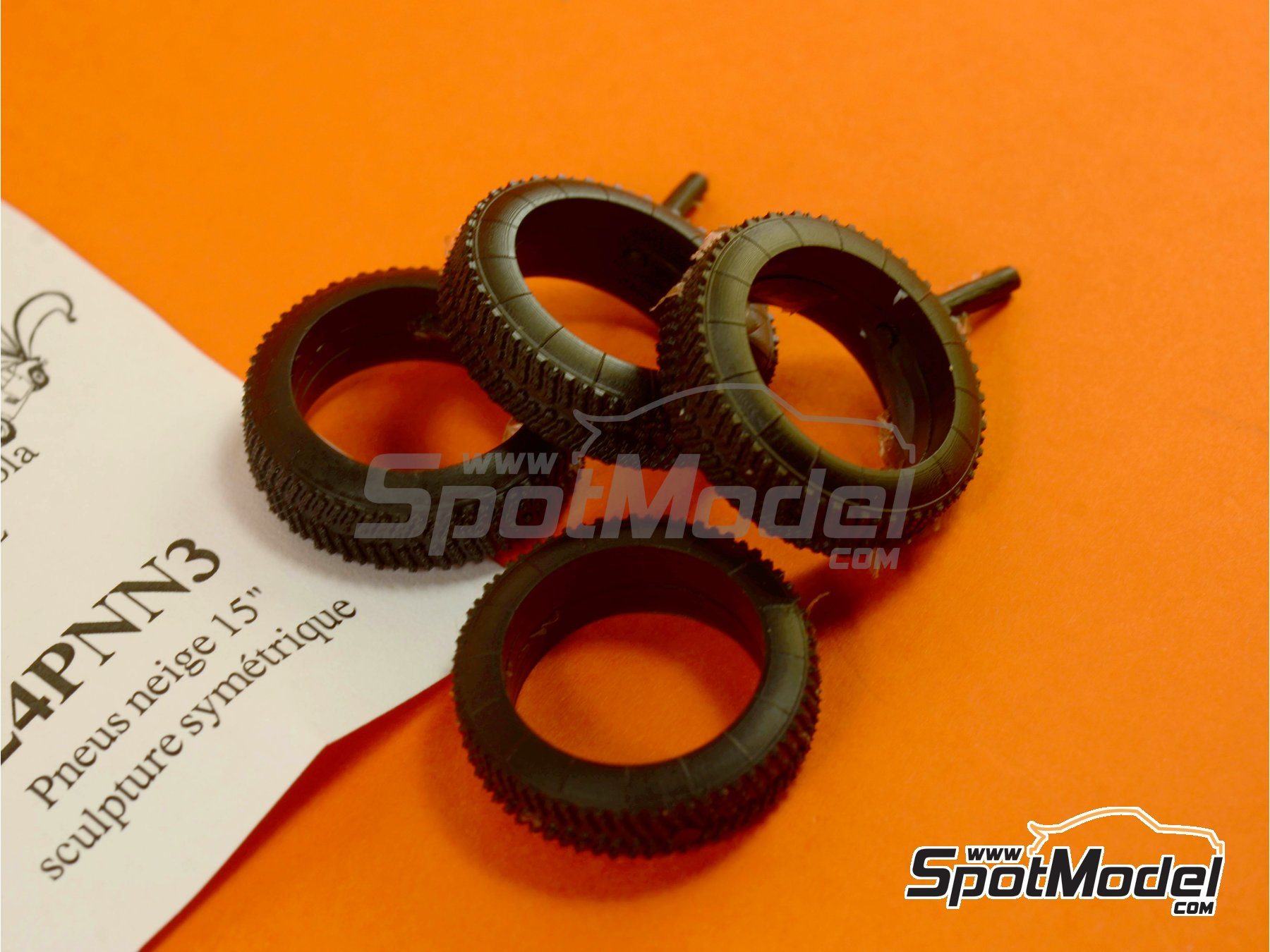 Image 1: 15 inches snow symmetric tyres | Tyre set in 1/24 scale manufactured by Renaissance Models (ref.24PNN3)