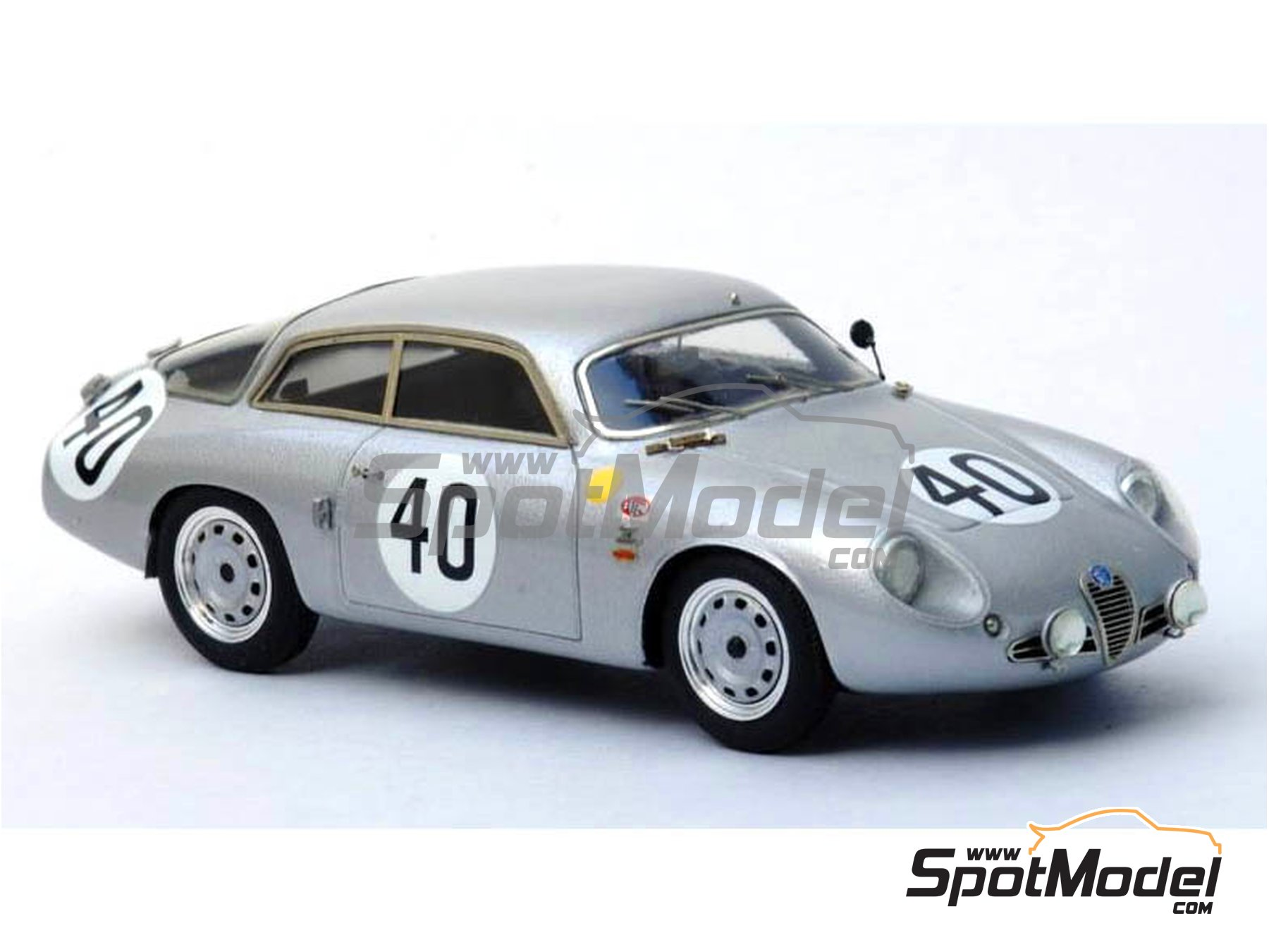 Image 3: Alfa Romeo Giulietta SZ Coda Tronca - 12 Hours Sebring, 24 Hours Le Mans, Targa Florio 1962 | Model car kit in 1/43 scale manufactured by Renaissance Models (ref. 43-54)