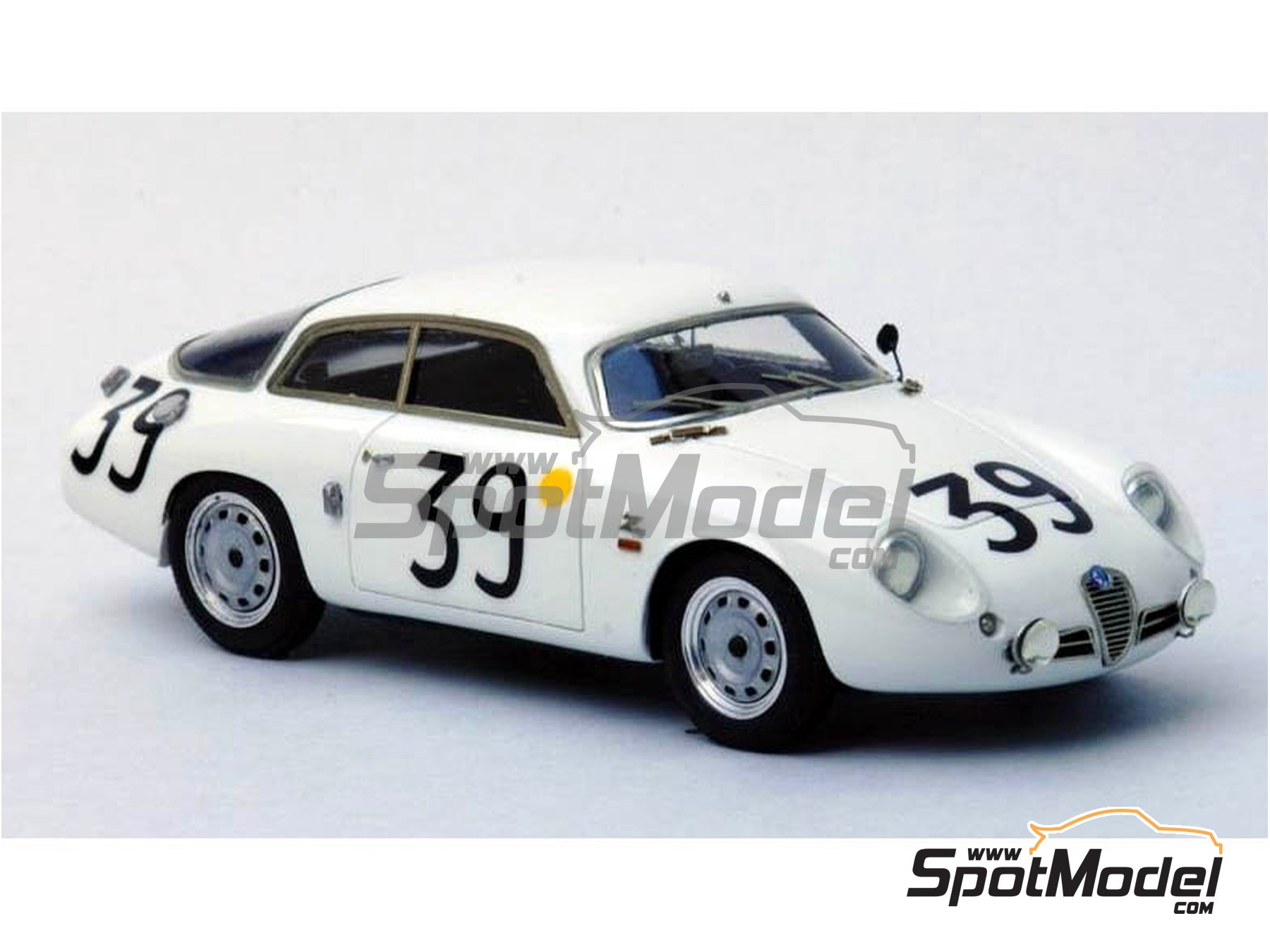 Image 4: Alfa Romeo Giulietta SZ Coda Tronca - 12 Hours Sebring, 24 Hours Le Mans, Targa Florio 1962 | Model car kit in 1/43 scale manufactured by Renaissance Models (ref. 43-54)