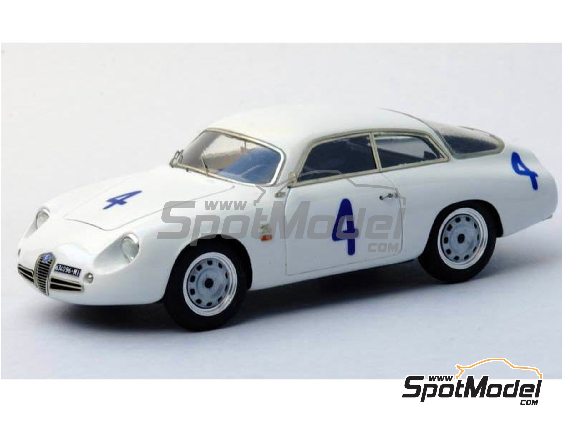 Image 5: Alfa Romeo Giulietta SZ Coda Tronca - 12 Hours Sebring, 24 Hours Le Mans, Targa Florio 1962 | Model car kit in 1/43 scale manufactured by Renaissance Models (ref. 43-54)