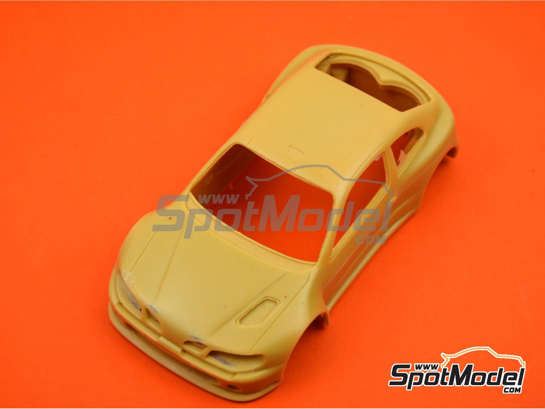 Image 2: Renault Megane Maxi Kit Car | Bodywork in 1/24 scale manufactured by Renaissance Models (ref.CTR2407-BODY)