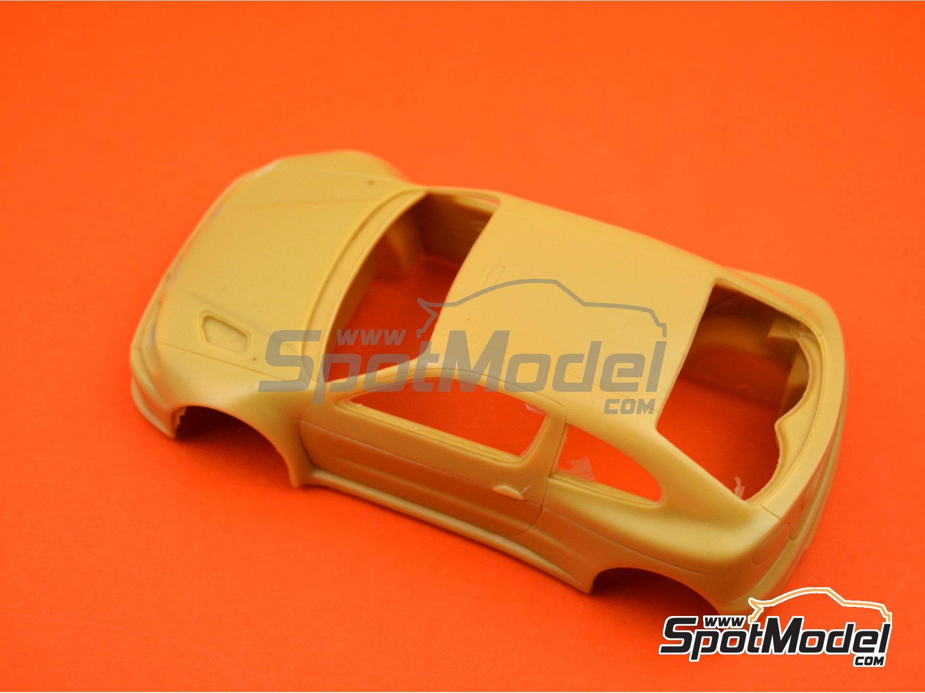 Image 5: Renault Megane Maxi Kit Car | Bodywork in 1/24 scale manufactured by Renaissance Models (ref.CTR2407-BODY)