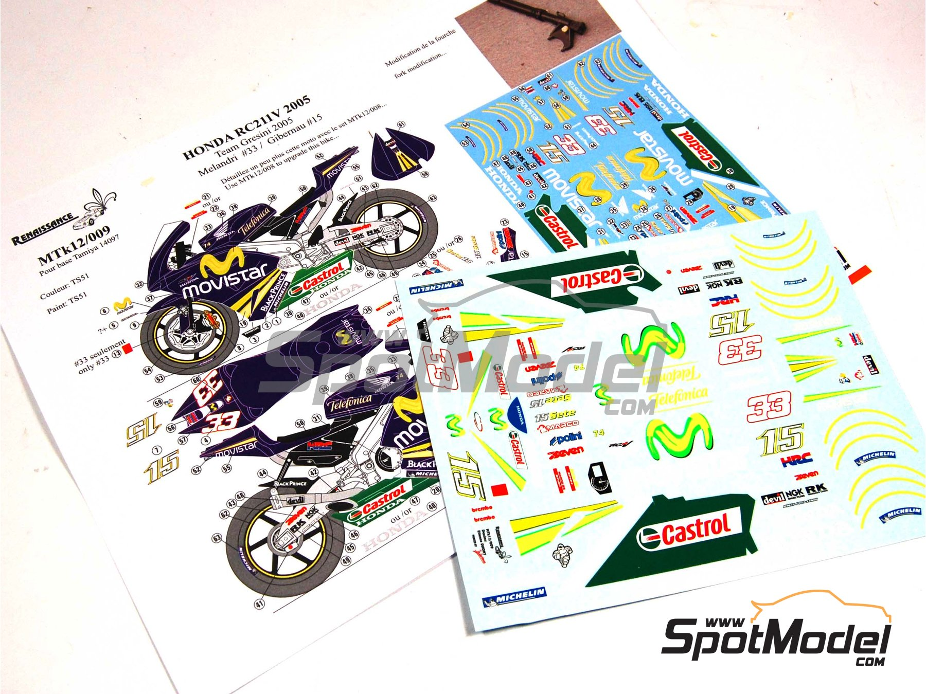 Image 1: Honda RC211V Telefonica Movistar Team Gresini - Motorcycle World Championship 2005 | Marking / livery in 1/12 scale manufactured by Renaissance Models (ref.MTK12-009DS)
