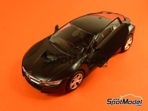 Image 20: BMW i8 | Maqueta de coche en escala1/24 fabricado por Revell (ref.REV07008, tambien 07008 y 80-7008)