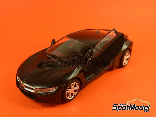 Image 22: BMW i8 | Maqueta de coche en escala1/24 fabricado por Revell (ref.REV07008, tambien 07008 y 80-7008)