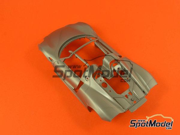 Image 4: Porsche 918 Spyder | Maqueta de coche en escala1/24 fabricado por Revell (ref.REV07026, tambien 07026 y 80-7026)