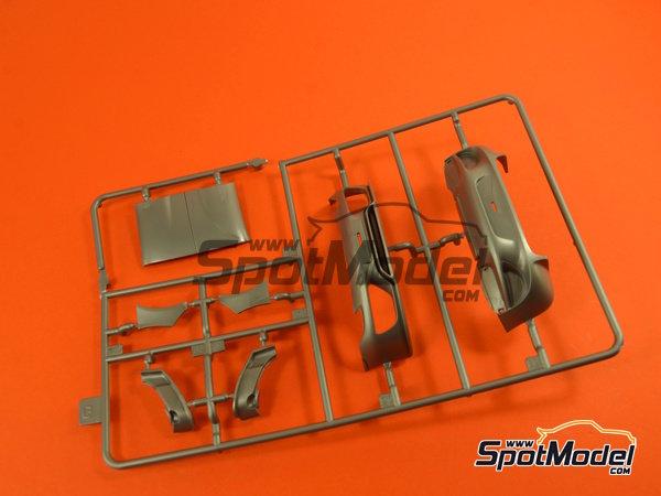 Image 6: Porsche 918 Spyder | Maqueta de coche en escala1/24 fabricado por Revell (ref.REV07026, tambien 07026 y 80-7026)