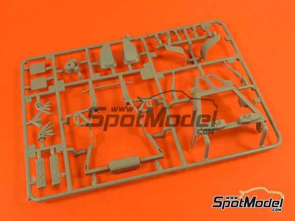 Image 13: Porsche 918 Spyder | Maqueta de coche en escala1/24 fabricado por Revell (ref.REV07026, tambien 07026 y 80-7026)