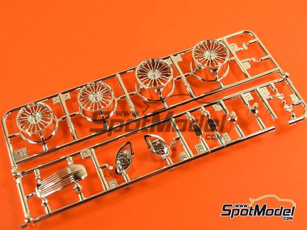 Image 14: Porsche 918 Spyder | Maqueta de coche en escala1/24 fabricado por Revell (ref.REV07026, tambien 07026 y 80-7026)