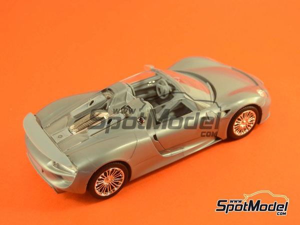 Image 19: Porsche 918 Spyder | Maqueta de coche en escala1/24 fabricado por Revell (ref.REV07026, tambien 07026 y 80-7026)