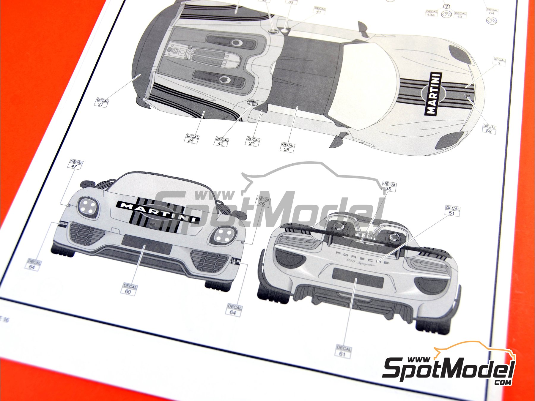 Image 23: Porsche 918 Spyder Martini Racing Design - Weissach sport version | Maqueta de coche en escala1/24 fabricado por Revell (ref.REV07027, tambien 07027 y 80-7027)