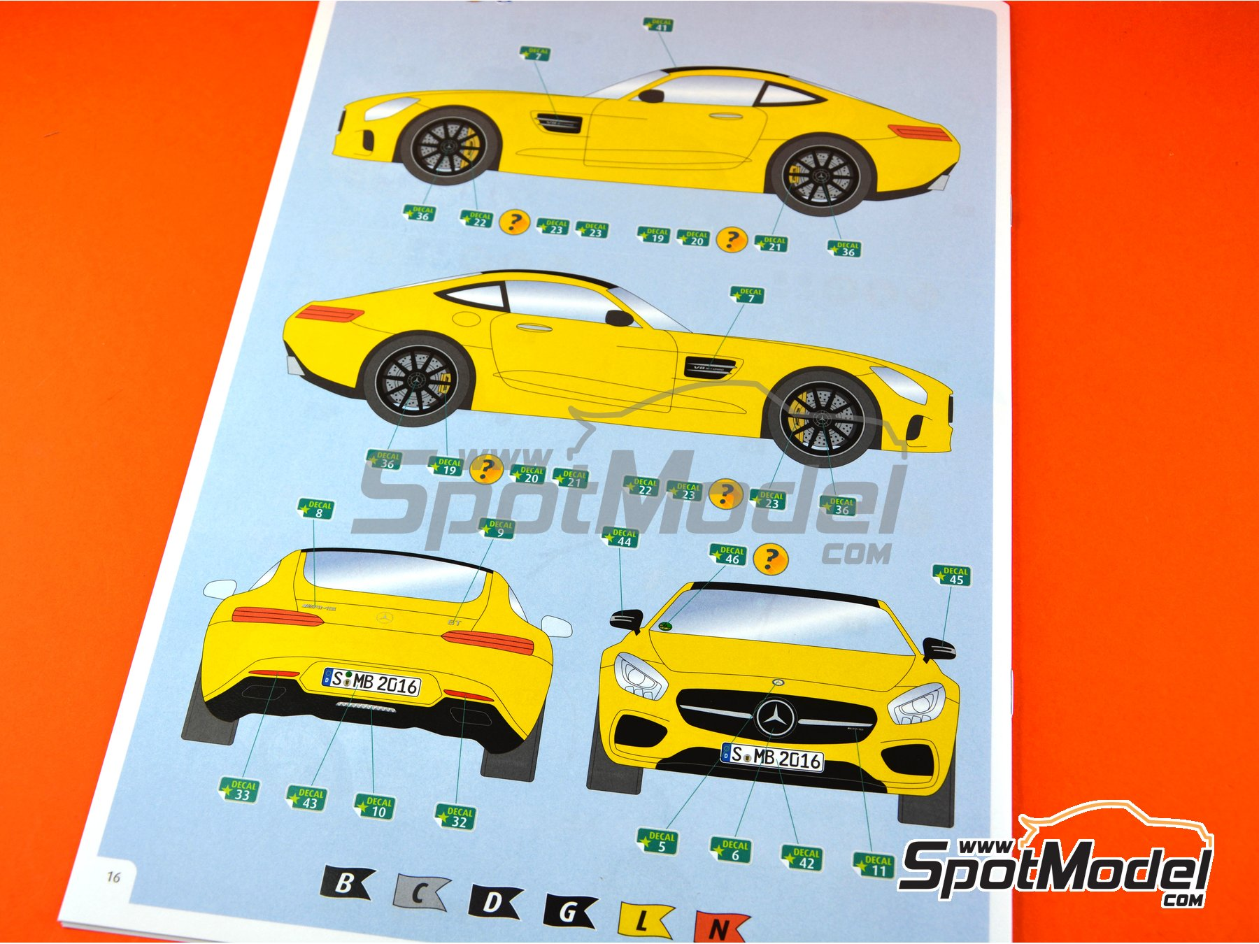 Image 14: Mercedes Benz AMG GT | Model car kit in 1/24 scale manufactured by Revell (ref. REV07028)