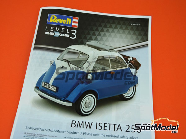 Image 9: BMW Isetta | Model car kit in 1/16 scale manufactured by Revell (ref. REV07030)
