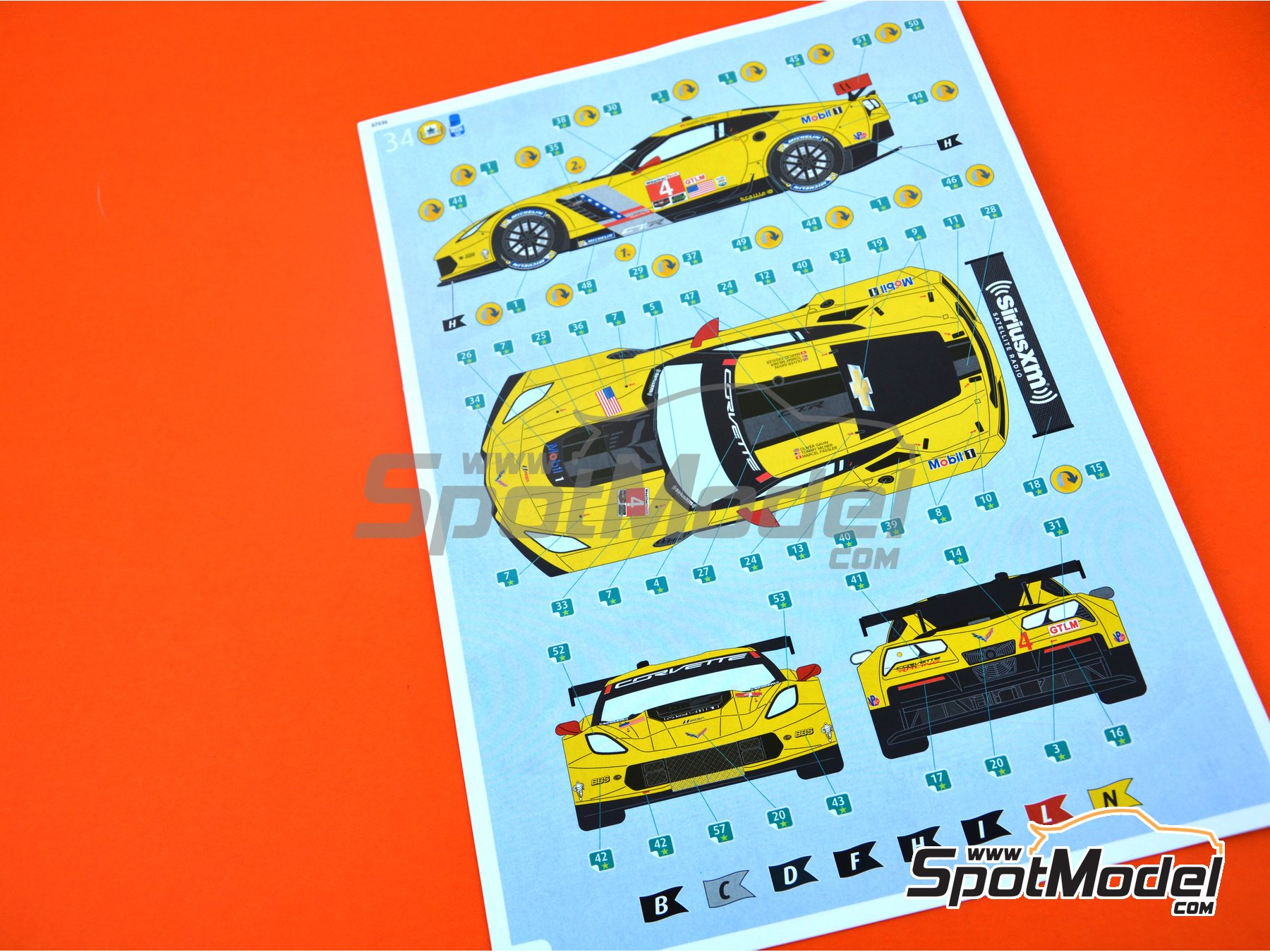 Image 9: Chevrolet Corvette C7.R Movil1 - Weather Tech Sports Car Championship 2016 | Model car kit in 1/25 scale manufactured by Revell (ref. REV07036, also 07036 and 80-7036)
