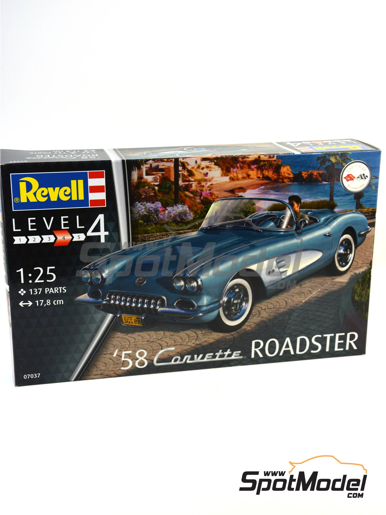 Chevrolet Corvette Roadster -  1968 | Model car kit in 1/25 scale manufactured by Revell (ref. REV07037) image