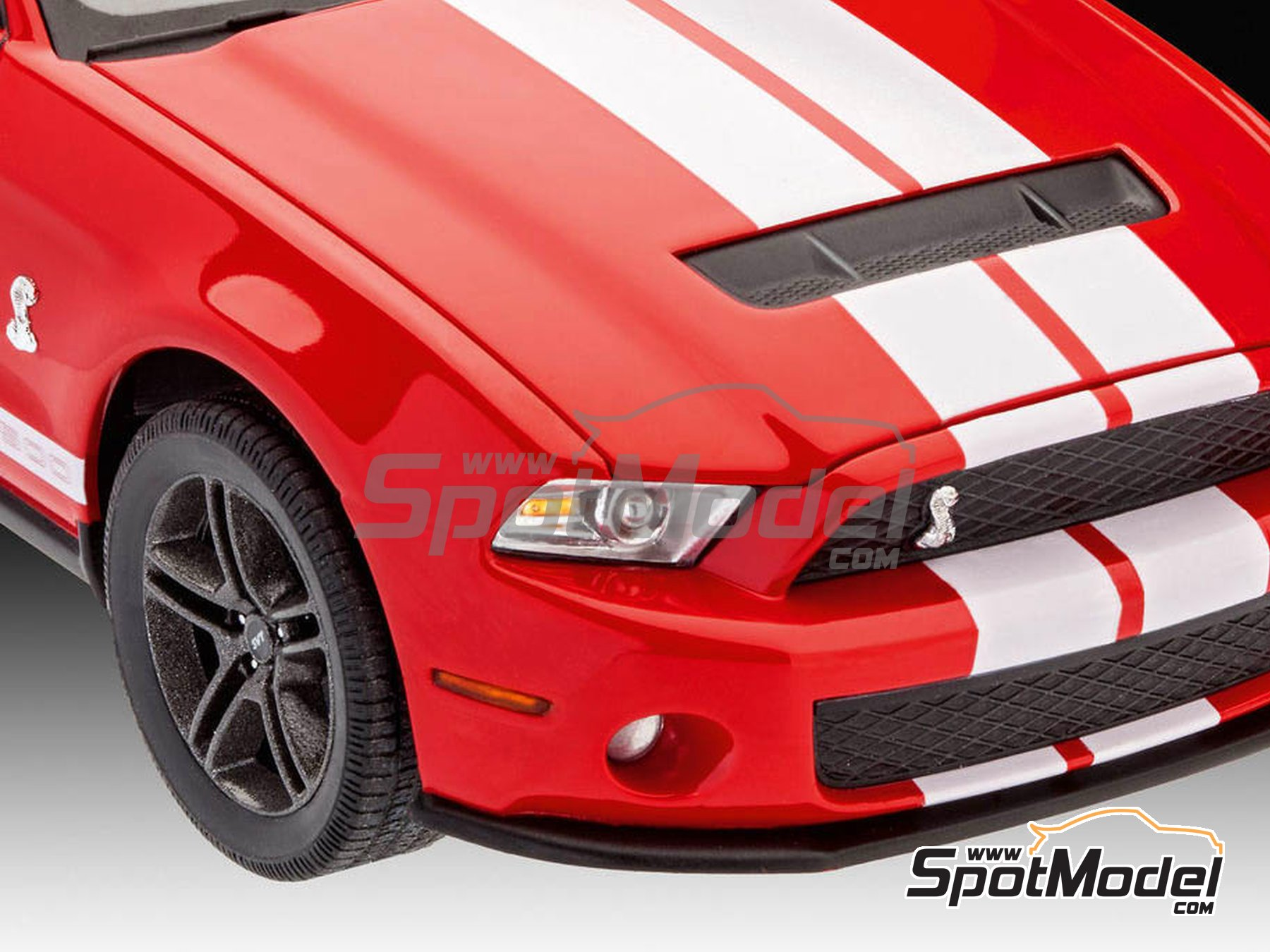 Image 4: Shelby GT500 -  2010 | Model car kit in 1/25 scale manufactured by Revell (ref. REV07044)