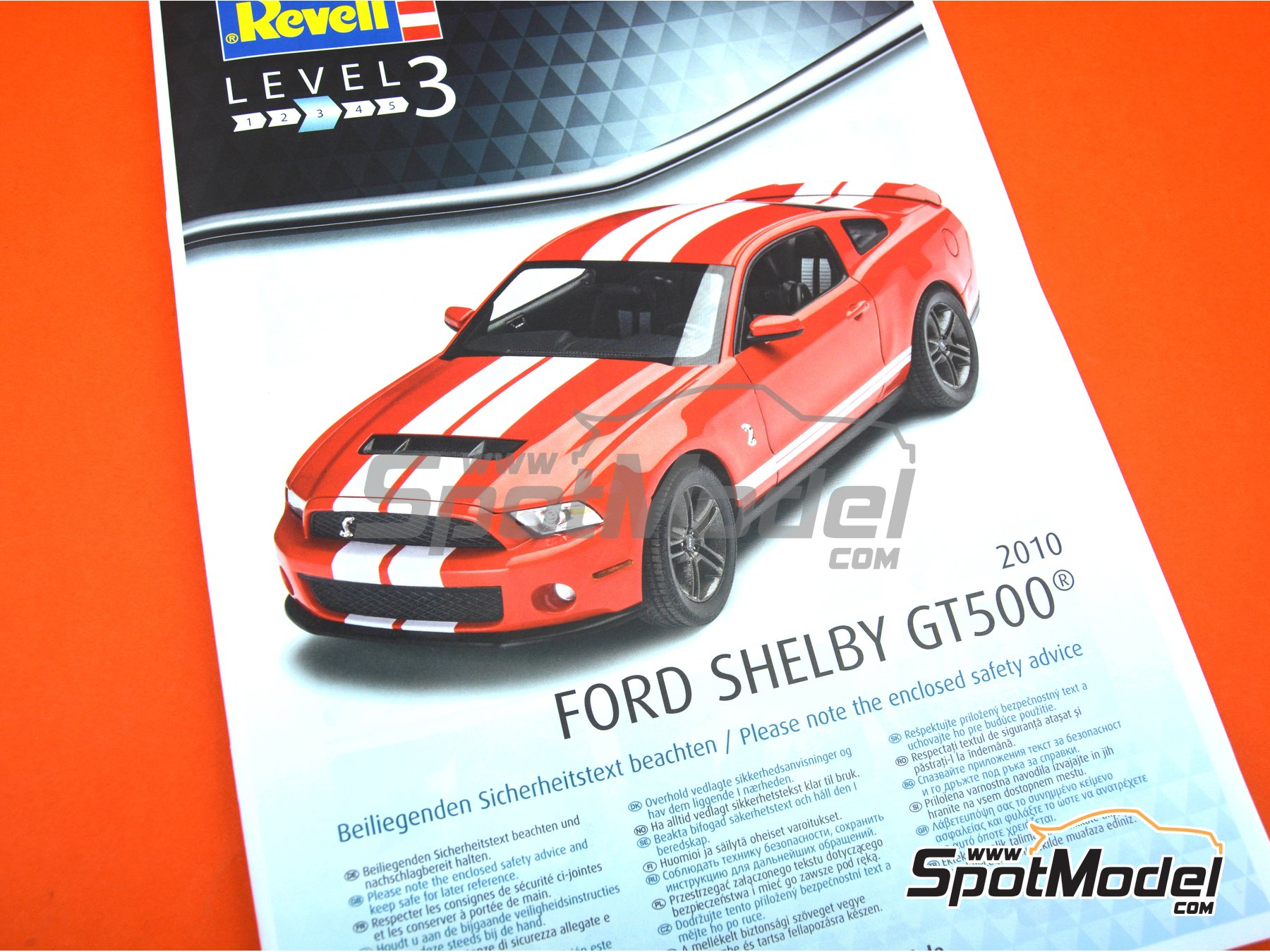 Image 8: Shelby GT500 -  2010 | Model car kit in 1/25 scale manufactured by Revell (ref. REV07044)