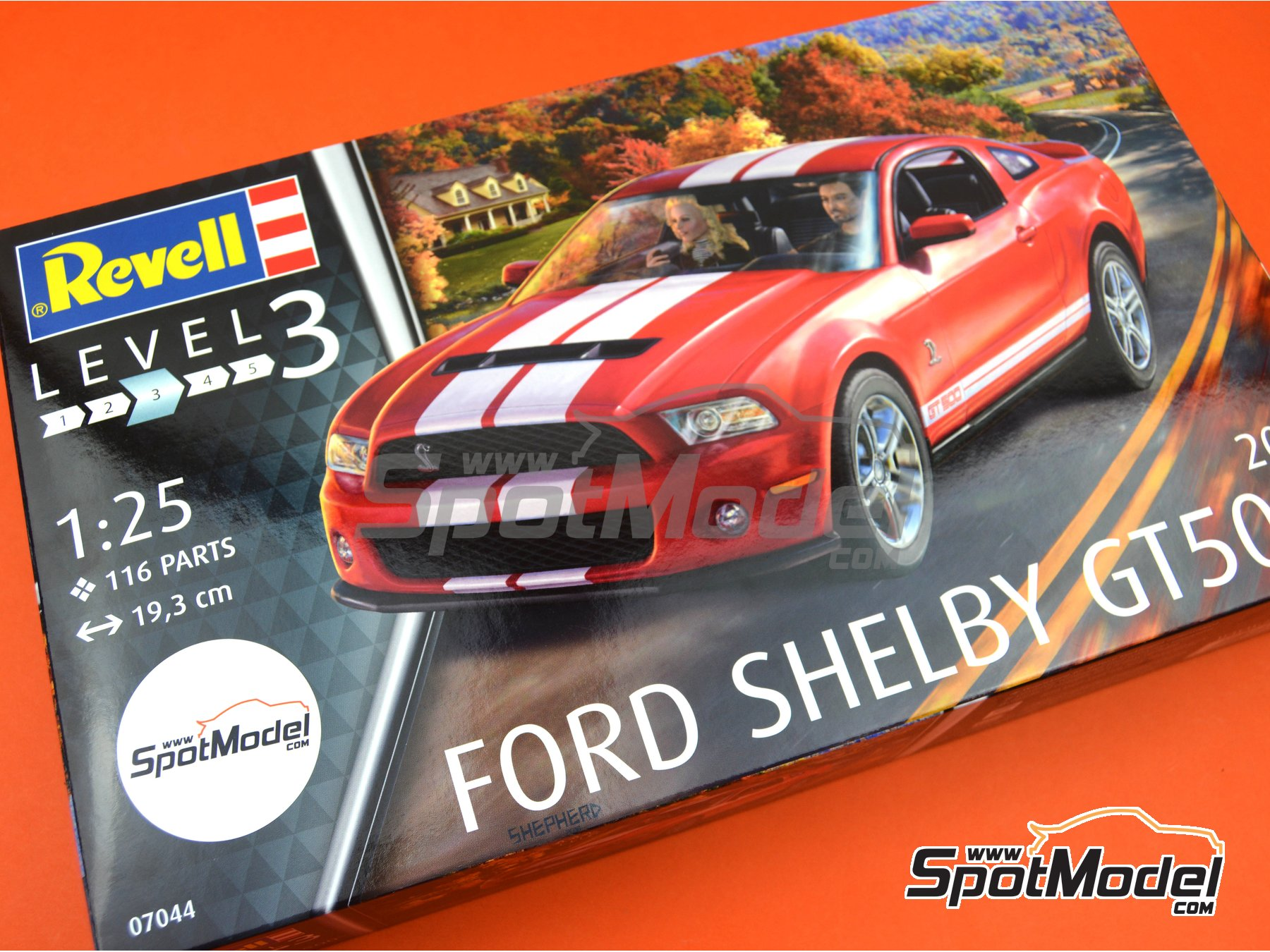 Image 13: Shelby GT500 -  2010 | Model car kit in 1/25 scale manufactured by Revell (ref. REV07044)