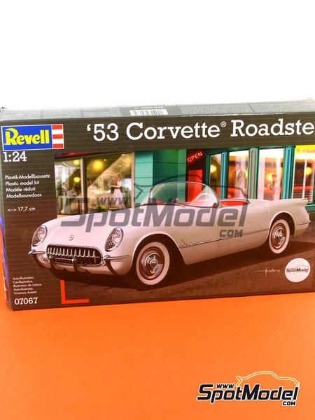 Chevrolet Corvette Roadster -  1953 and 1954 | Model car kit in 1/24 scale manufactured by Revell (ref.REV07067, also 07067 and 80-7067) image