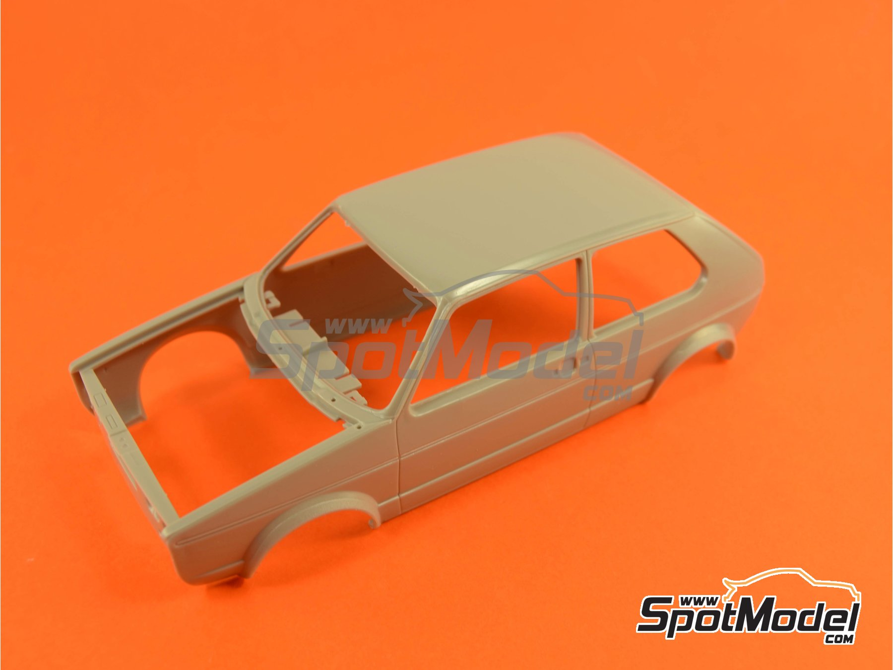 Image 7: Volkswagen Golf I GTI | Maqueta de coche en escala1/24 fabricado por Revell (ref.REV07072, tambien 07072 y 80-7072)