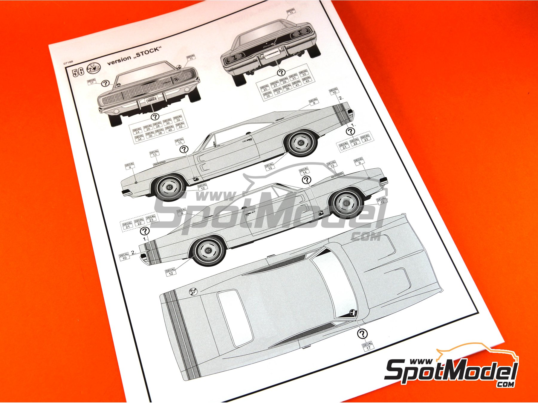 Image 10: Dodge Charger R/T -  1968 | Model car kit in 1/25 scale manufactured by Revell (ref. REV07188)