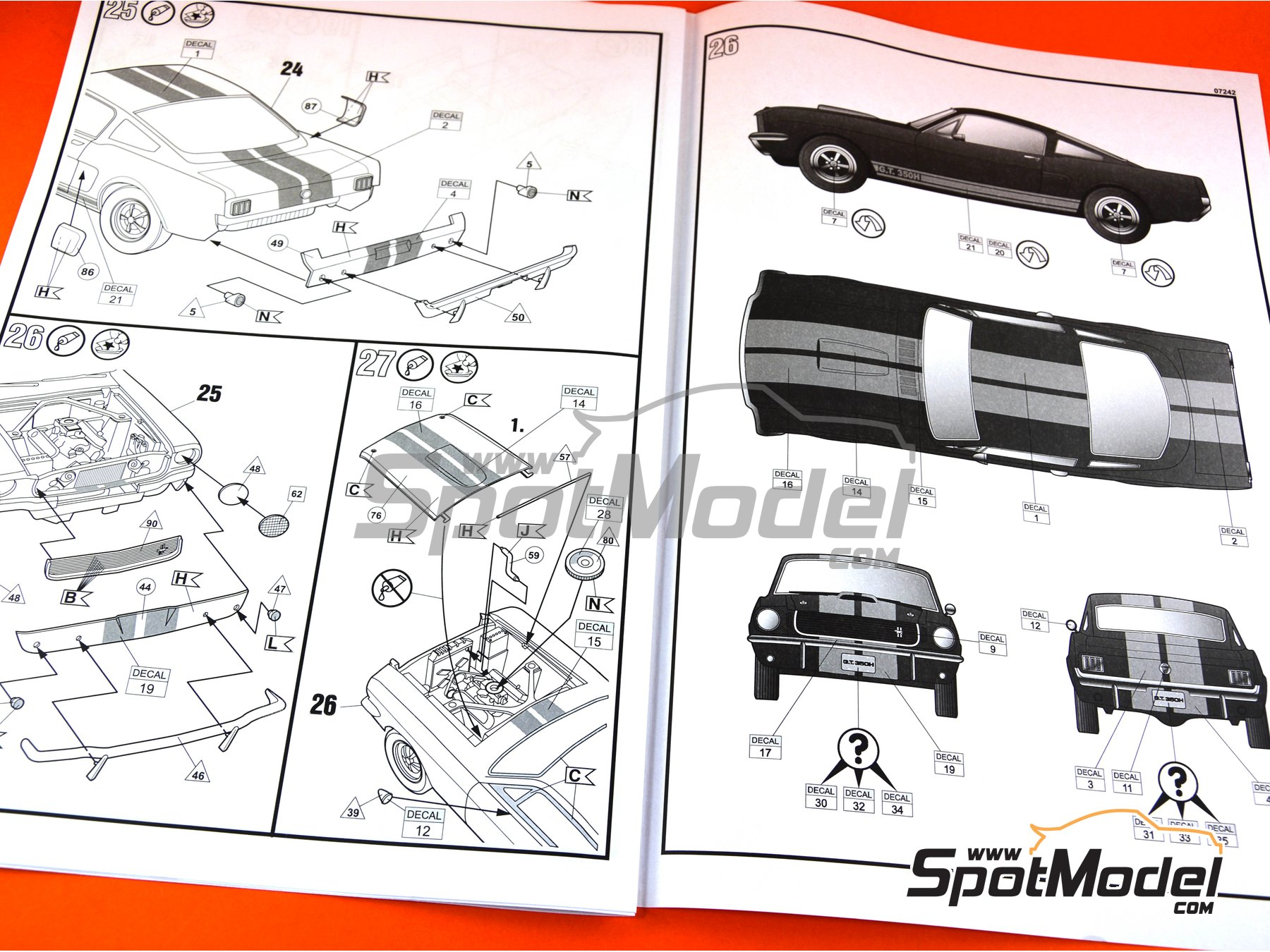 Image 8: Shelby Mustang GT 350 H | Model car kit in 1/24 scale manufactured by Revell (ref.REV07242)
