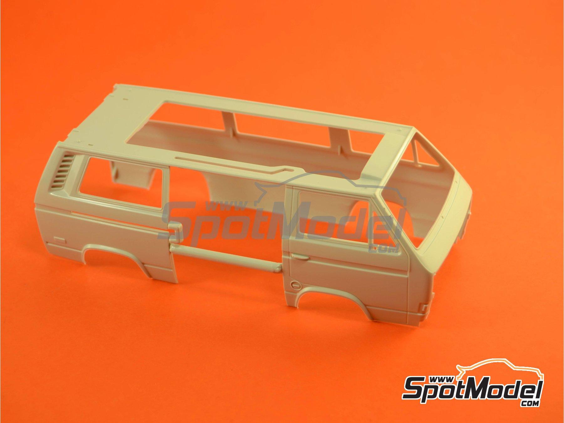 Image 6: Volkswagen Transporter T3 Westfalia Joker Camper | Model car kit in 1/25 scale manufactured by Revell (ref.REV07344, also 07344 and 80-7344)