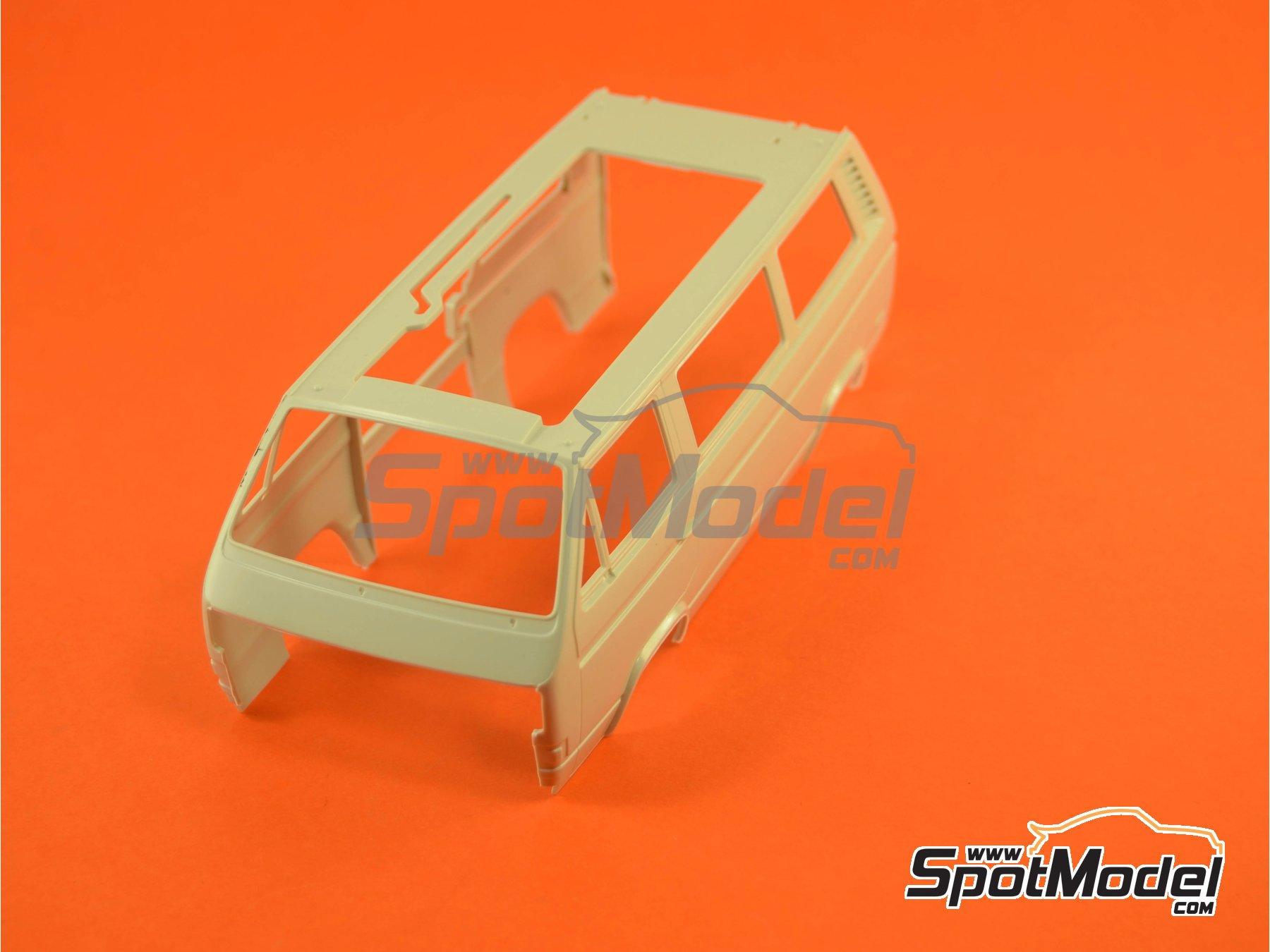 Image 7: Volkswagen Transporter T3 Westfalia Joker Camper | Model car kit in 1/25 scale manufactured by Revell (ref.REV07344, also 07344 and 80-7344)