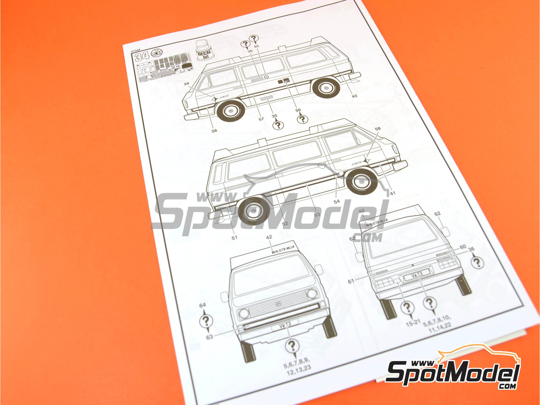 Image 13: Volkswagen Transporter T3 Westfalia Joker Camper | Model car kit in 1/25 scale manufactured by Revell (ref.REV07344, also 07344 and 80-7344)