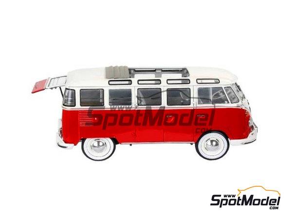 Image 2: Volkswagen Transporter T1 -  1962 | Model van kit in 1/24 scale manufactured by Revell (ref.REV07399, also 07399)