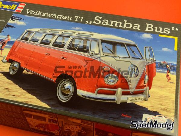 Image 12: Volkswagen Transporter T1 -  1962 | Model van kit in 1/24 scale manufactured by Revell (ref.REV07399, also 07399)