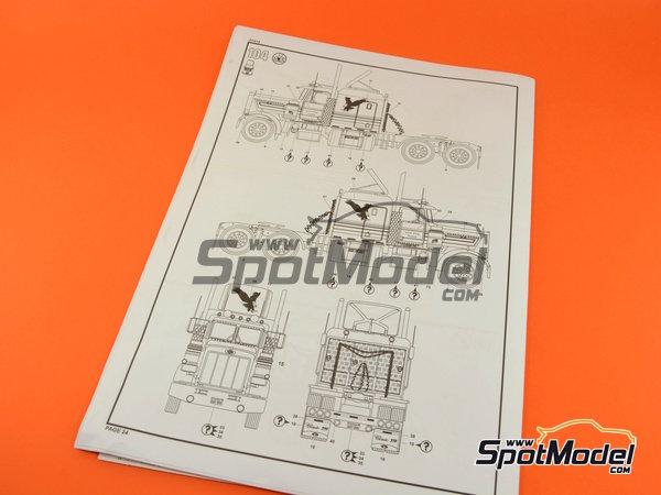 Image 19: Peterbilt 359 Conventional | Maqueta de camión en escala1/25 fabricado por Revell (ref.REV07412)
