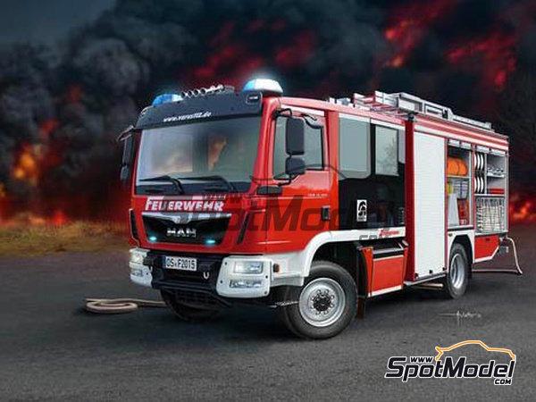 Image 1: MAN TGM / Schlingmann HLF20 VARUS 4x4 | Maqueta de camión en escala1/24 fabricado por Revell (ref.REV07452, tambien 7452)