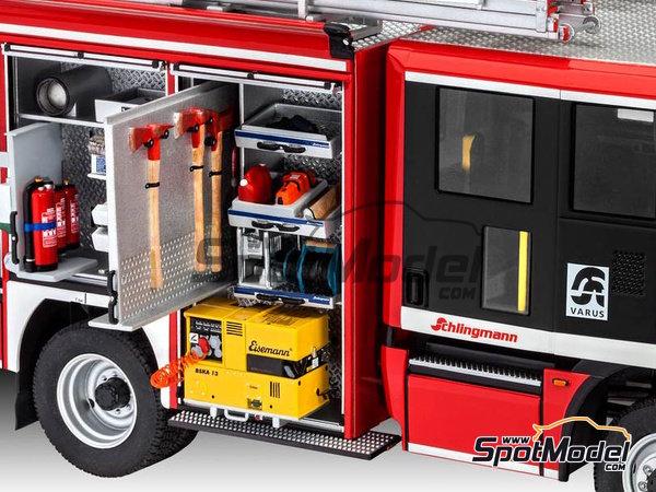 Image 28: MAN TGM / Schlingmann HLF20 VARUS 4x4 | Maqueta de camión en escala1/24 fabricado por Revell (ref.REV07452, tambien 7452)