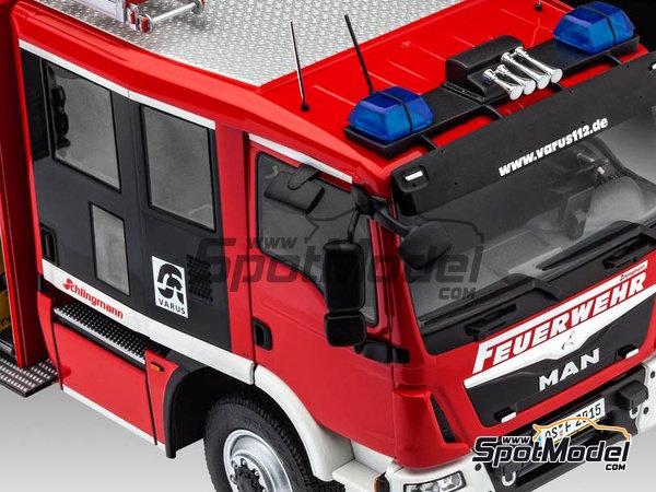 Image 29: MAN TGM / Schlingmann HLF20 VARUS 4x4 | Maqueta de camión en escala1/24 fabricado por Revell (ref.REV07452, tambien 7452)