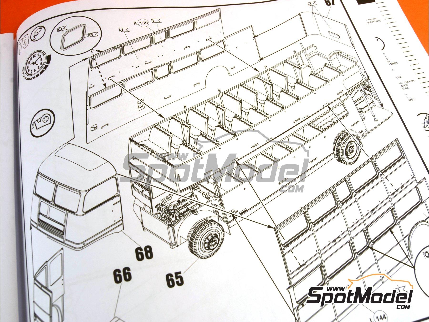 Image 28: Routermaster bus de Londres | Maqueta de camión en escala1/24 fabricado por Revell (ref.REV07651, tambien 85-7651)